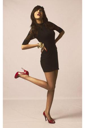 red Aldo heels - black lace Forever New dress - pearl  metallic Aldo accessories