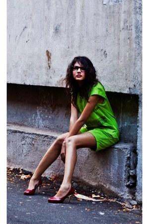 boxy friends design romper - red random brand heels - nerdy Ray Ban glasses
