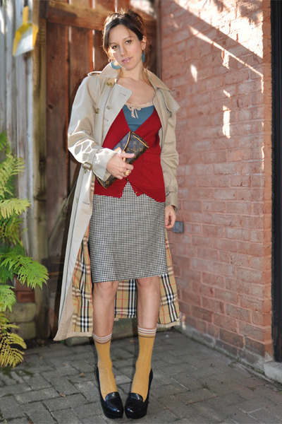 vintage Valentino skirt - vintage trench Burberry jacket