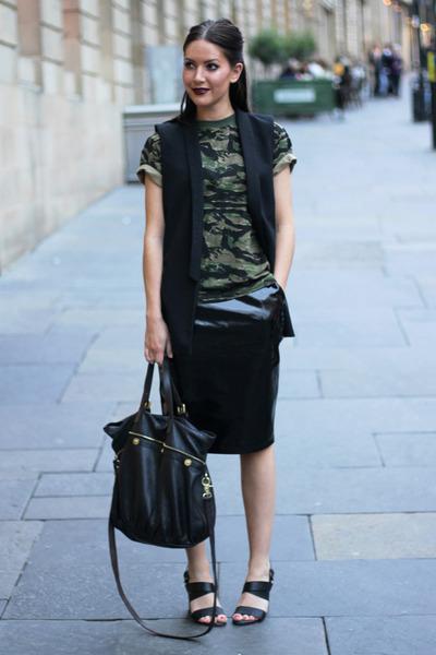 pvc H&M skirt - mitzy tote Mulberry bag - Zara vest