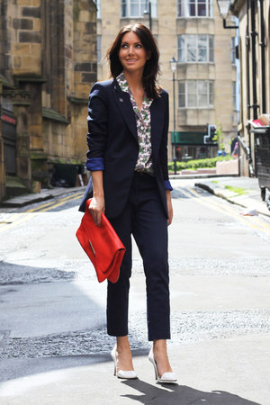 bubble gum paisley asos blouse - navy Zara blazer - red clutch Zara bag