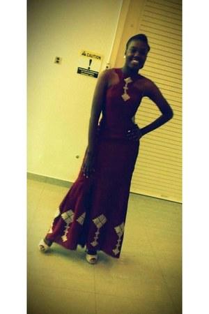 crimson dress - silver earrings - ivory heels