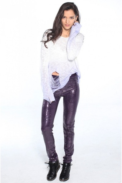 light purple Reverse sweater - purple Akira leggings