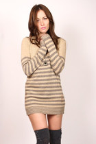 Beige-shopgoldie-sweater