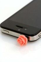peach ShopGoldie accessories