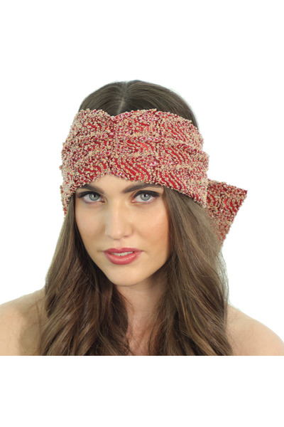 Kristin Perry hair accessory