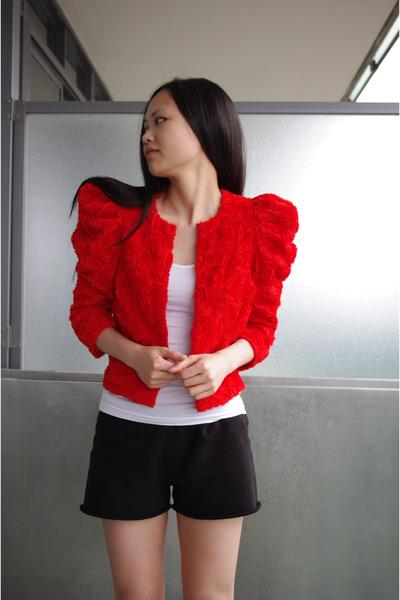 HM Garden Collection Jackets Club Monaco Shirts Aritzia Shorts