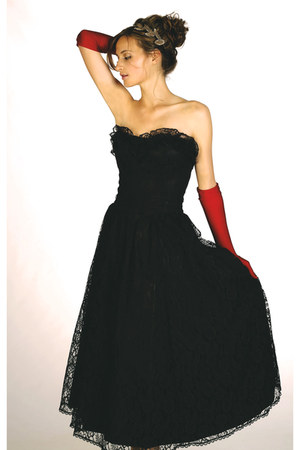 black lace vintage dress - red red vintage belt gloves