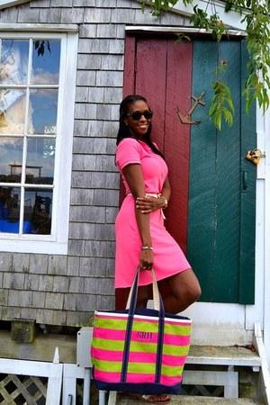 bubble gum tote LL Bean bag - bubble gum Lacoste dress