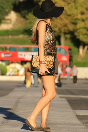 Queens Wardrobe top - Zara bag - Bershka shorts