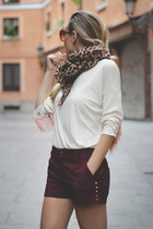 Zara scarf - Pull & Bear shorts - Mentirosas top