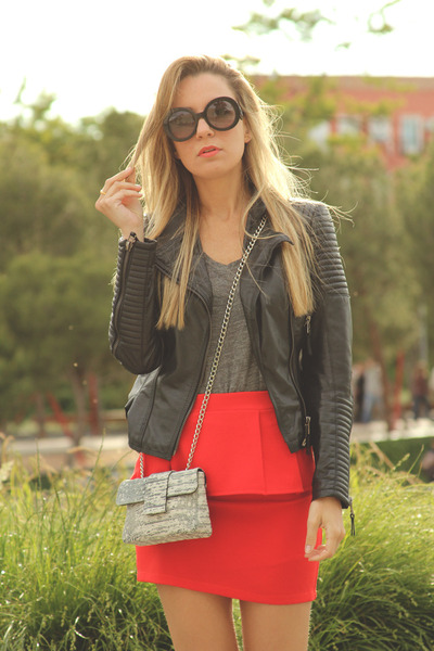 Ebay skirt - Zara jacket - Carpena Elda purse - Prada sunglasses
