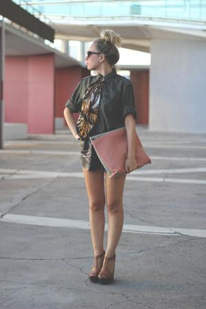 eBayes bag - H&M shirt - eBayes scarf - Mentirosas shorts - Sixtyseven sandals