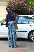 navy ruffled H&M shirt - dark brown tote coach bag - navy Leifsootir pants