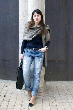 black animal print Zara bag - blue Mango jeans - navy Mango sweater