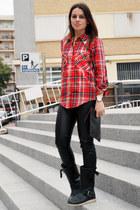 black biker boots Steve Madden boots - ruby red Zara shirt