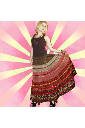 crimson festival skirt vintage skirt - dark gray foxy Jeffrey Campbell heels
