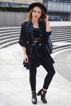 THIEVES' MAGIC
