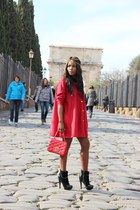 Chanel bag - fama boots - vintage cape