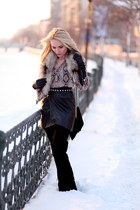 black Zara boots - black vintage bag - black New Yorker skirt