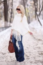 navy Mango jeans - burnt orange vintage bag - eggshell New Yorker cape