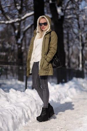 Mango coat - H&M boots - Peakoks leggings - Mango bag - Zara blouse