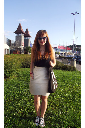 off white leather unknown skirt - white Zara sunglasses