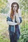 We-fashion-jeans-white-we-fashion-sweater-we-fashion-scarf