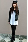 Boots-dress-leather-jacket-beanie-hair-accessory