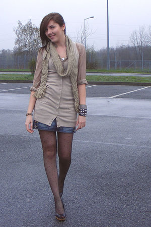beige topsecret scarf - beige topsecret blouse - beige Bershka cardigan - black