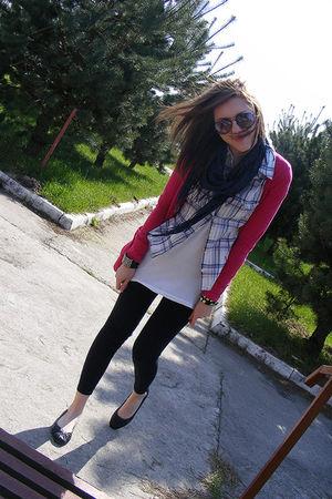 pink Primark cardigan - white Stradivarius shirt - blue Primark scarf - black du