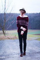 Secondhand sweater