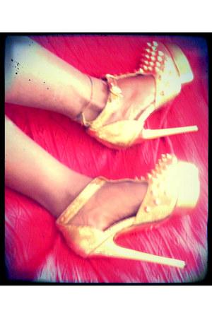 gold roche Kandee heels