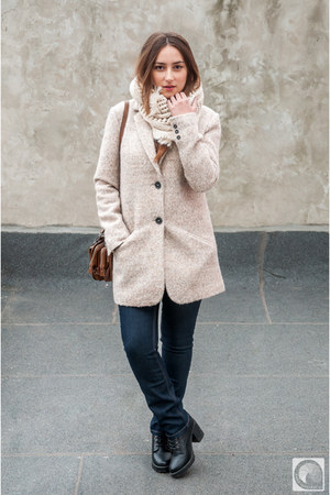 neutral c&a coat - navy c&a jeans - white pull&bear shirt - ivory c&a scarf