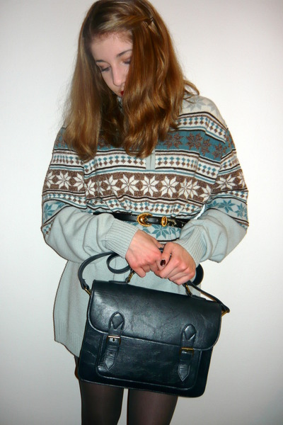 navy vintage belt - sky blue sweater - dark gray H&M tights