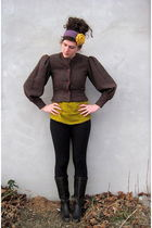 black danskin leggings - brown vintage boots - gold Target t-shirt - brown vinta