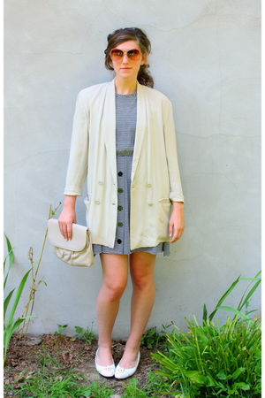beige vintage blazer - black vintage dress - white Selby shoes - beige vintage p