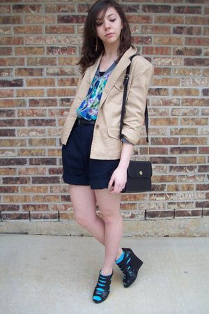 thrifted bag - urban orginal shoes - moms jacket - f21 sweater - thrifted shorts
