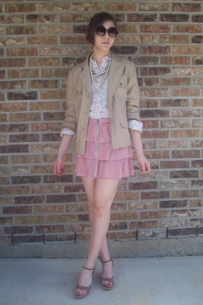 f21 skirt - Claires sunglasses - blazer moms