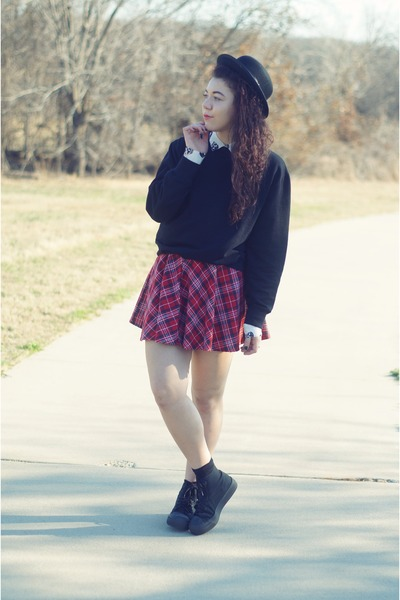 Forever21 skirt - Forever21 hat - Marshalls blouse - asos sneakers