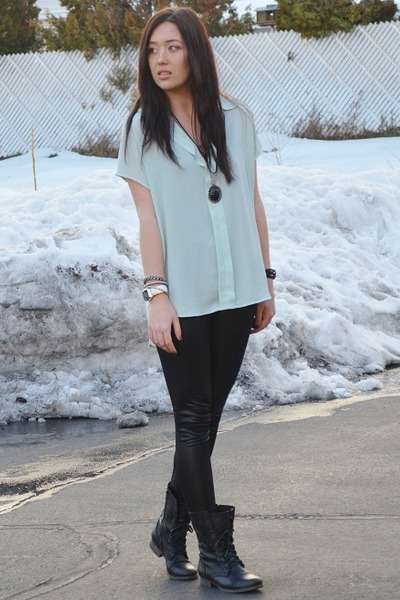 black liquid leather windsor leggings - aquamarine Bellatrix top