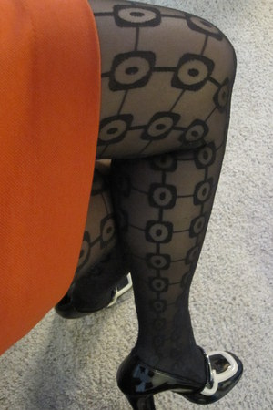 black silk Wolford leggings