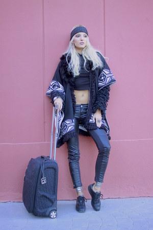 black fluffy black Zara jacket - black suitecase calvin klein bag