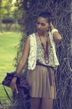 dark brown snake BLANCO blouse