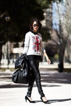 Zara t-shirt - Primark shoes