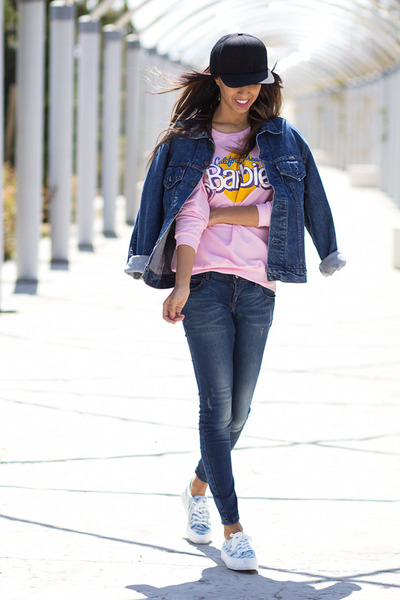 bubble gum Sheinside sweatshirt - blue levis vintage jacket