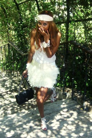 beige feather Chic doll skirt - pink lace Stradivarius top - black Chanel