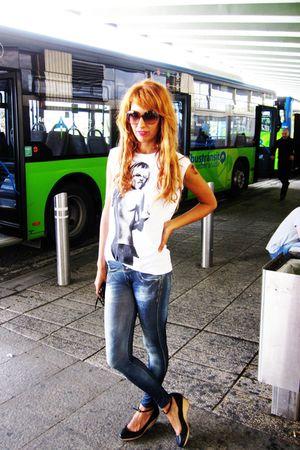 black Zara shoes - blue Bershka leggings - Marc by Marc Jacobs sunglasses - pink