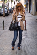 Zara jeans - Primark shoes - carrera sunglasses - Mommys belt - Mango shirt - ja