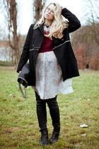 MIKKAT MARKET jumper - sam edelman boots - COS coat - Zara jeans